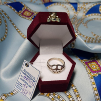 Серебряное кольцо 925 пробы, вес 2,4 гр, размер 16,7